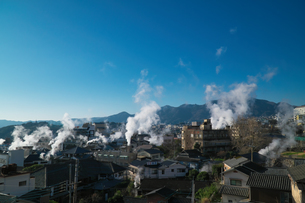 大分県 別府温泉 湯煙の写真素材 [FYI04585195]