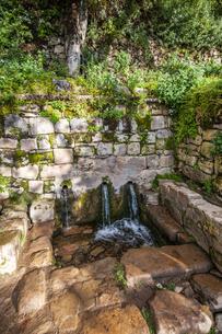 チチカカ湖・太陽の島の「聖なる泉」の写真素材 [FYI04585400]