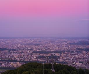 北海道 風景 藻岩山より札幌市街遠望 (夕景)の写真素材 [FYI04585775]
