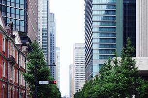 大手町のオフィス街の写真素材 [FYI04586358]
