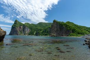 北海道夏の風景 積丹半島の海岸の写真素材 [FYI04587056]
