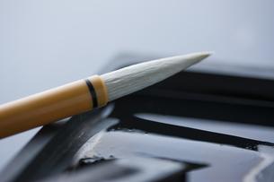 毛筆と硯の写真素材 [FYI04587606]