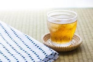 冷たい麦茶の写真素材 [FYI04587626]
