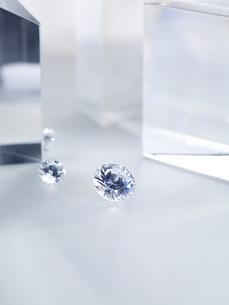 キラキラと輝くダイヤモンドの写真素材 [FYI04587922]