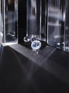 キラキラと輝くダイヤモンドの写真素材 [FYI04587924]