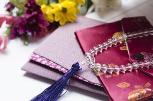 数珠と袱紗の写真素材 [FYI04589056]