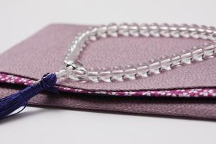 数珠と袱紗の写真素材 [FYI04589057]