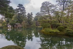 石川県金沢市 雨上がりの金沢城の写真素材 [FYI04589399]