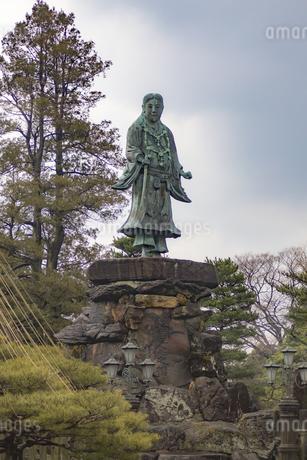 石川県金沢市 兼六園の日本武尊像の写真素材 [FYI04589408]