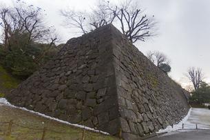 石川県金沢市 雨上がりの金沢城の写真素材 [FYI04589431]