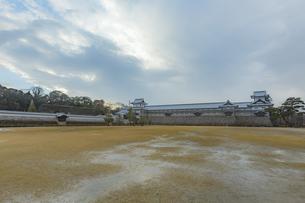 石川県金沢市 雨上がりの金沢城の写真素材 [FYI04589434]