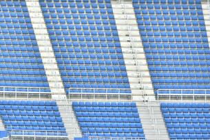 スタジアムの無観客席の写真素材 [FYI04589802]