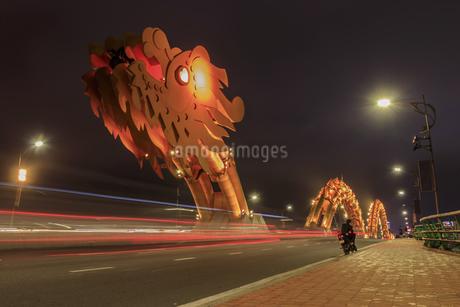 ドラゴンブリッジ(ロン橋) ベトナム ダナンの写真素材 [FYI04591436]