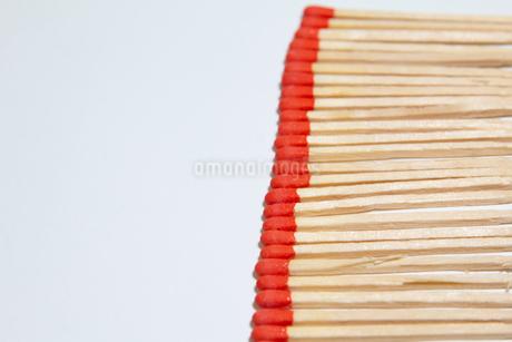 沢山の並んだマッチ棒の写真素材 [FYI04591488]