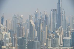 ドバイ(アラブ首長国連邦)の都市風景の写真素材 [FYI04591640]