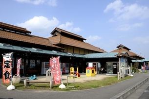 鳥取,青空の道の駅,清流茶屋かわはらの写真素材 [FYI04591665]