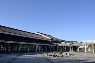 鳥取,青空とはわい道の駅の写真素材 [FYI04591673]