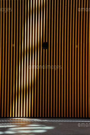 黄色の壁の写真素材 [FYI04592154]