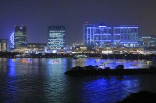 レインボーブリッジからお台場方面の夜景の写真素材 [FYI04592973]