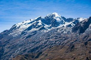 ボリビア・レアル山群の名峰イヤンプーの写真素材 [FYI04595323]