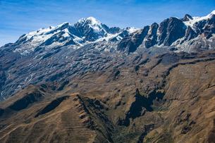 ボリビア・レアル山群の名峰イヤンプーの写真素材 [FYI04595326]