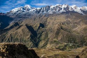 レアル山群の名峰イヤンプーとアンコウマの写真素材 [FYI04595338]