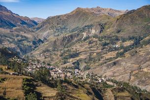 アンデス山脈の秘境の村・ソラタの写真素材 [FYI04595343]