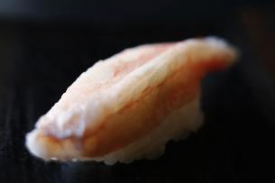蟹の生寿司の写真素材 [FYI04595381]