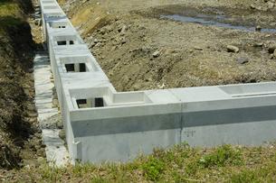 住宅地の側溝工事の写真素材 [FYI04596287]