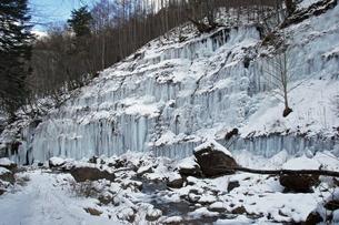 1月 氷瀑の世界 -南牧(みなみまき)村の湯川渓谷-の写真素材 [FYI04596358]