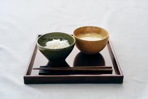 ご飯と味噌汁の写真素材 [FYI04596449]