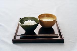 ご飯と味噌汁の写真素材 [FYI04596450]
