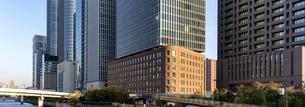 旧ダイビルと超高層ビルの写真素材 [FYI04596486]