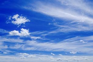 青空と雲の写真素材 [FYI04597275]