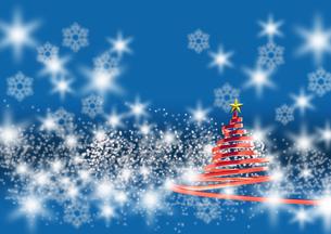 リボンのクリスマスツリー メタリックレッド 青い背景(2)のイラスト素材 [FYI04598399]