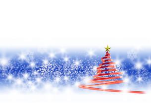 リボンのクリスマスツリー メタリックレッド 青と白の背景のイラスト素材 [FYI04598404]