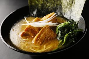 角煮ラーメンの写真素材 [FYI04598446]