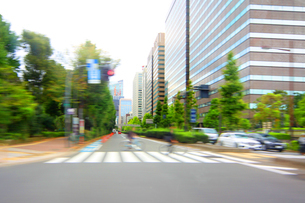街並み 走行車両よりの写真素材 [FYI04598499]