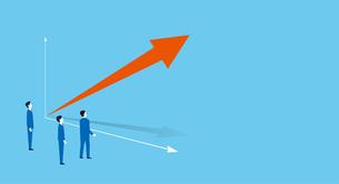 伸びるグラフとビジネスチームのイメージ、コピースペースのイラスト素材 [FYI04599601]