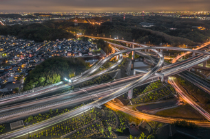 四日市ジャンクションの夜景風景の写真素材 [FYI04599642]