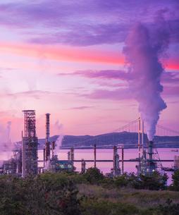 北海道 風景 室蘭市 白鳥湾展望台より朝焼けを望むの写真素材 [FYI04600302]