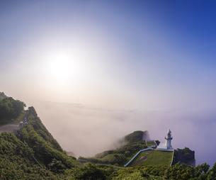 北海道 風景 室蘭市 雲海からの日の出の写真素材 [FYI04601317]