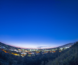 北海道 風景 潮見公園より室蘭市街遠望 (夕景)の写真素材 [FYI04601558]