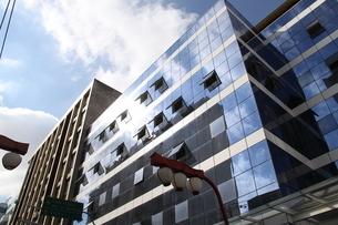 サンパウロのガラス張りのビルの写真素材 [FYI04602004]