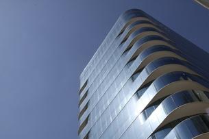 サンパウロのガラス張りのビルと青空の写真素材 [FYI04602063]