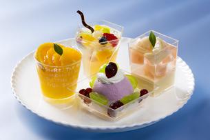 夏のカップケーキの写真素材 [FYI04602279]