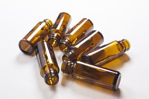 栄養ドリンク剤の空き瓶の写真素材 [FYI04602405]