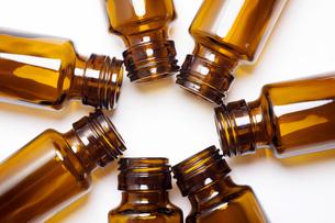 栄養ドリンク剤の空き瓶の写真素材 [FYI04602408]