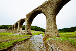 タウシュベツ川橋梁/上士幌の写真素材 [FYI04602415]