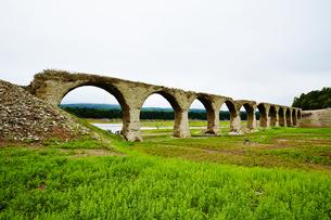 タウシュベツ川橋梁/上士幌の写真素材 [FYI04602419]
